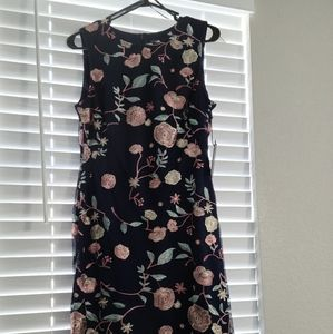 NEW! Vince Camuto Embroidered dress